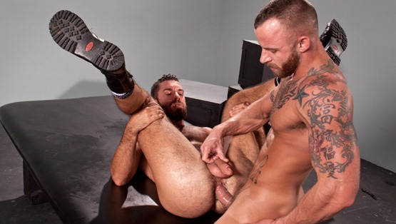 rearstable-derek-and-damien-fucking-each-other-asses